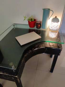 Wooden corner table with glass top
