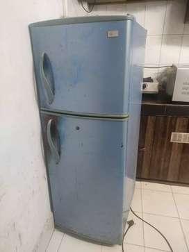 LG Refrigerator / FRIDGE TWIN DOOR