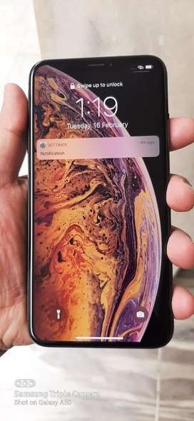 iphone XS Max 256 GB in Showroom Condition