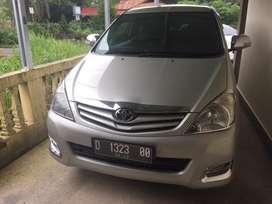 Toyota Innova diesel metik (AT)