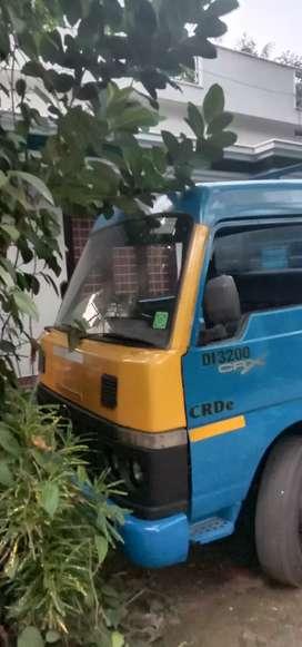 Mahindra Nissan with driver