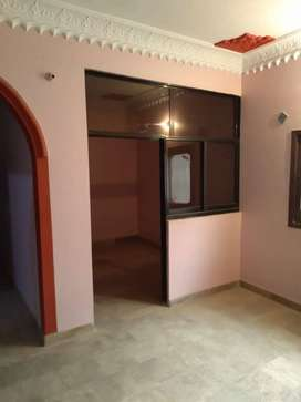 2 Bedroom plus dd just off Jamia millia road with own parking space