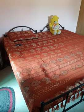 2 single bed 6x3 size(1500rs each)