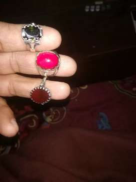 Ring with chandi