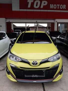 "Toyota Yaris S TRD Matic / AT ""2018"" Kuning"