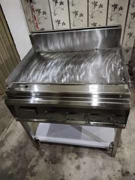 Hot plate , deep fryer , grill , pizza oven fast food setup