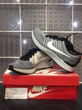 Nike Racer White/black