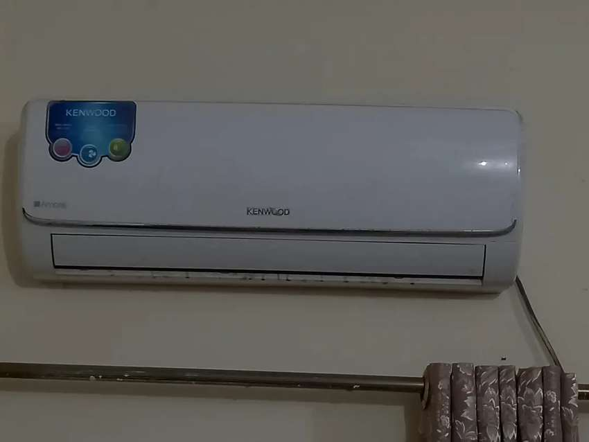 Kenwood 1 ton AC in almost new condition (non inverter)