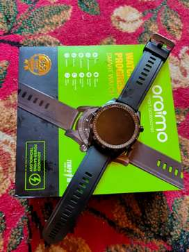 Oraimo smrt watch few weeks old new condtn