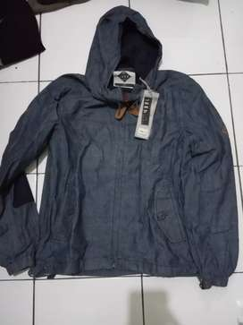 Jeep ori, jaket jeans, size s, kondisi baru, LD: 52cm, jual 1jt