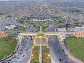 Bahria Hills 500 sqd 100 fit Wide Road Near International Them Park
