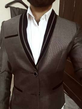 Two piece decent brand style suit