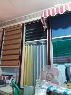 Distributor vertikal blinds kantor