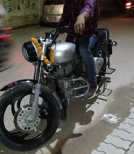 Scooty le liye h bhai..isliye nikaal rahe h