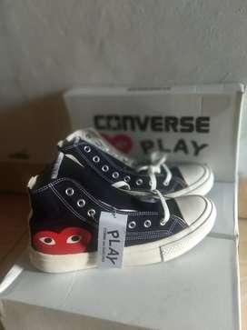 Sepatu Converse CDG hi