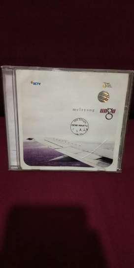 CD ALBUM MUSIC ORIGINAL UNGU MELAYANG