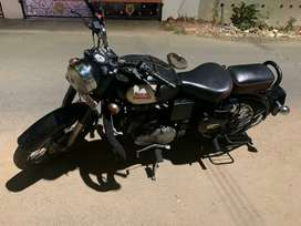 Royal Enfield 350 classic black beauty year end model for sales...