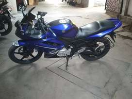 yamaha r15 v1 blue colour scrachless condition with new tyres