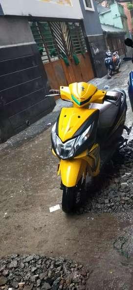 Honda Dio yellow colour