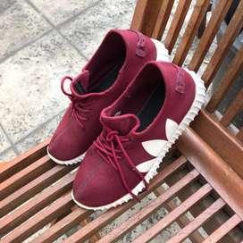 Sepatu Adidas Yeezy Merah Maroon Sport Casual. Sz 39