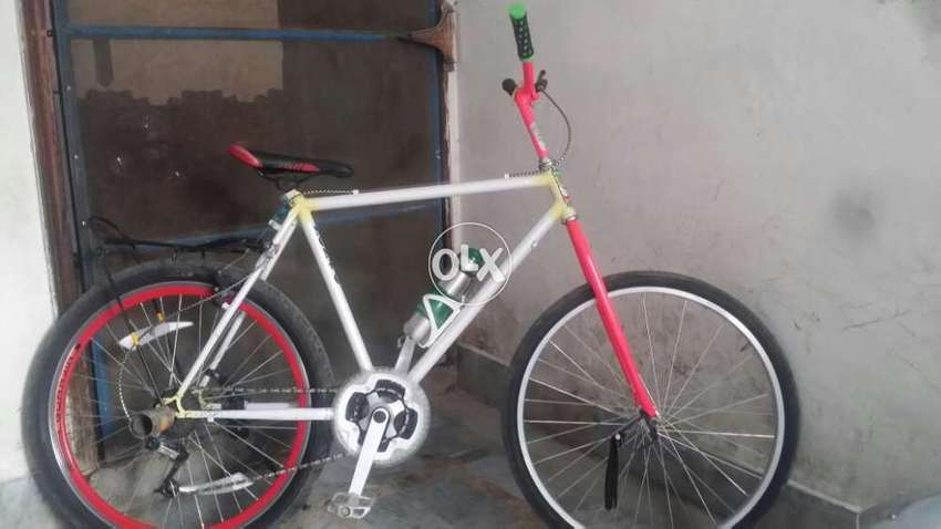 Modified Stunt bicycle with Shimano parts in Excellent condition 0