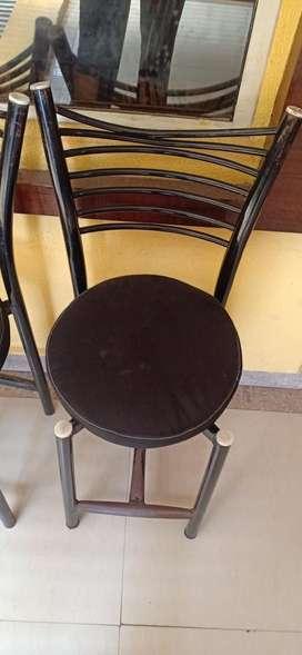 Sitting chair