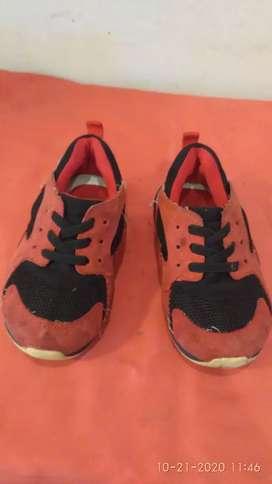 Sepatu anak fladeo