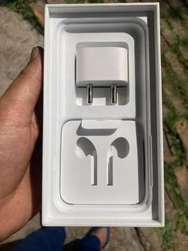 Apple 5W usb charger dock.