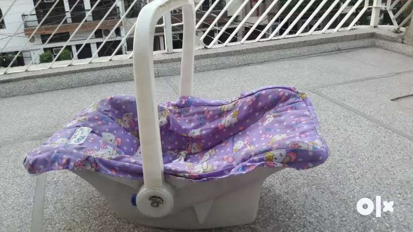 Carry cot for new borns