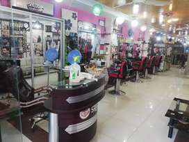 Running beauty saloon for man urgent sell