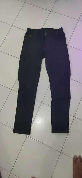 Jeans hitam nimco size 29-30