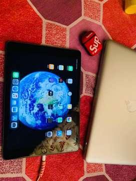 iPad 7th Gen Space Grey 32gb ( 24 days old )