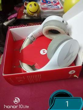 MOTOROLA BLUE TOOTH HEADSET WITH MIC