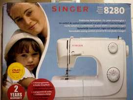 SINGER automatic sewing machine - Model 8280
