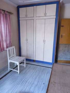 1 room available for rent (no kitchen)