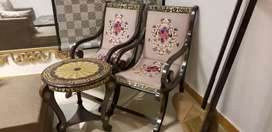 Total solid wooden bedroom chairs with table