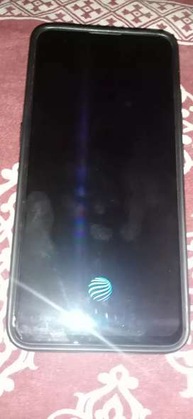 Vivo v15pro 8gb ram 128 gb lady use one year old mobile and charger