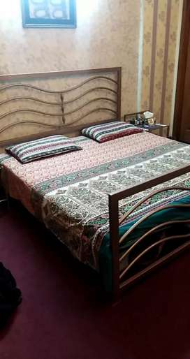 Steel Rod Bed With Dressing & Side Tables