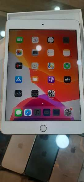 iPad 7 generation 128 gb in good condition