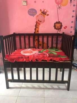 Box bayi /tempat tidur bayi
