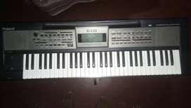 Roland E09 keyboard