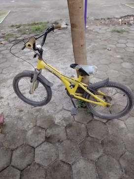 Sepeda BMX wimcycle kuning 475rb/nego