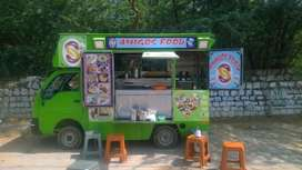 Food Truck for rent (25000/-) 94943(/-)03831(/-)