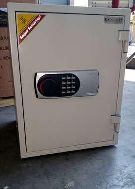 Brankas Importa 060EH Ivory RAL9002