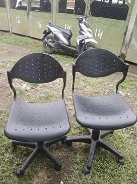 Jual kursi kantor type staf murah dan bisa naik turun