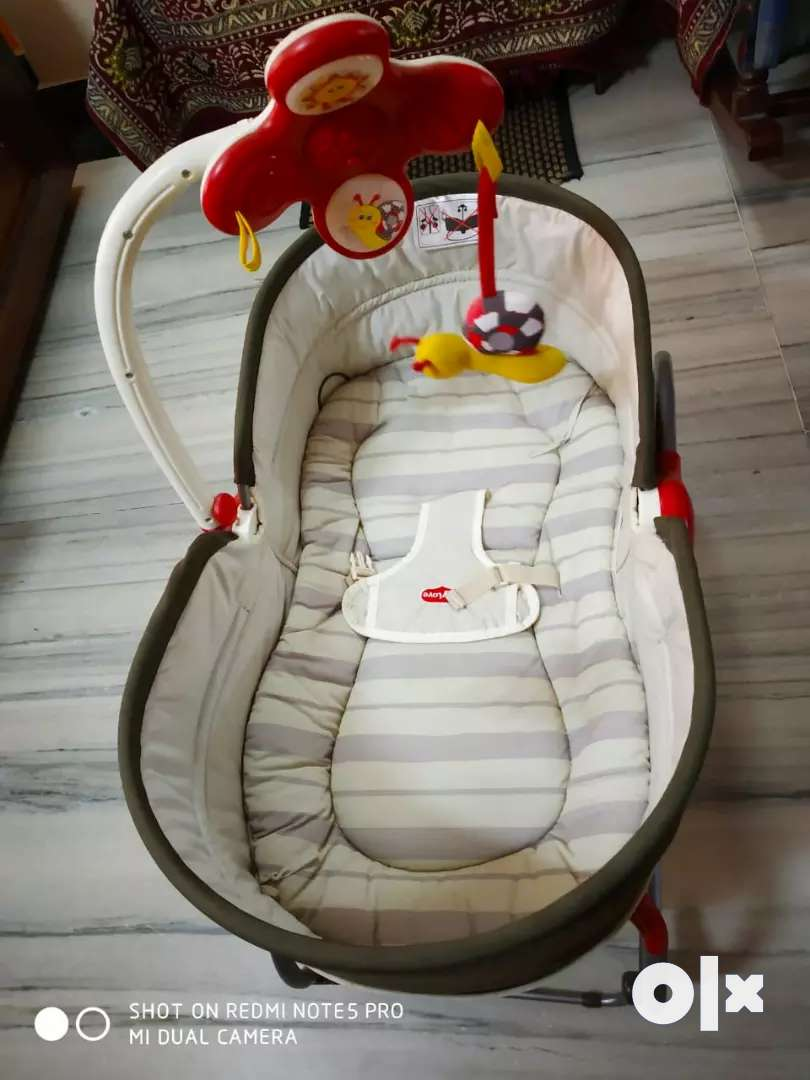 TINY LOVE, Baby cradle with a soft mattress and netted umbrella 0