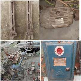 5 HP motor with all Accessories in good condition..