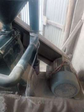 Electric rice mill on sell