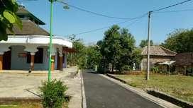 kavling tanjungsari, tegalgede, karanganyar. depan masjid