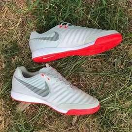 Sepatu futsal nike tempo